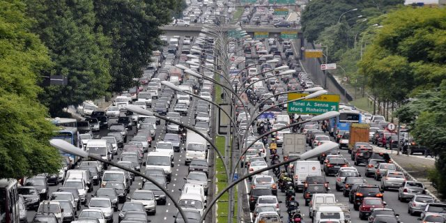 affiliate marketing in real life office vs home office - mexico city traffic jam